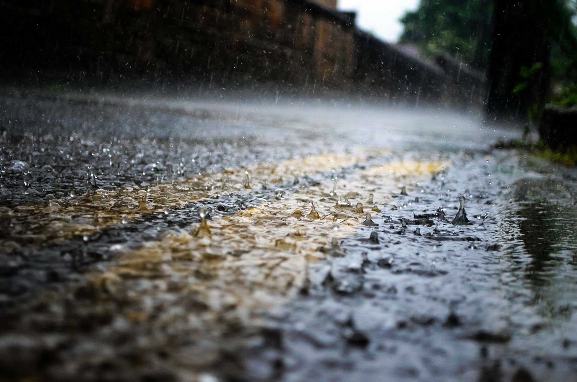 Get Storm Ready – Tips to Prepare Your Home for a Summer Storm